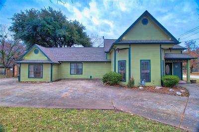 Ennis Single Family Home For Sale: 609 W Moore Street W
