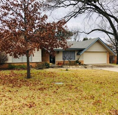 Brown County Single Family Home For Sale: 1606 Highland Drive