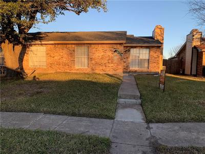 Half Duplex For Sale: 2524 Red River Street