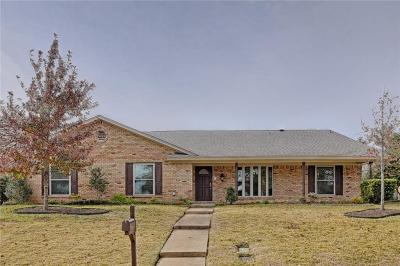 Tarrant County Single Family Home For Sale: 2212 Midhurst Drive