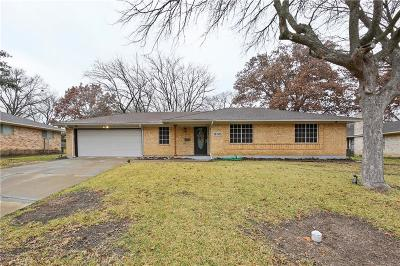 Desoto Single Family Home Active Contingent: 335 Brook Hollow Drive