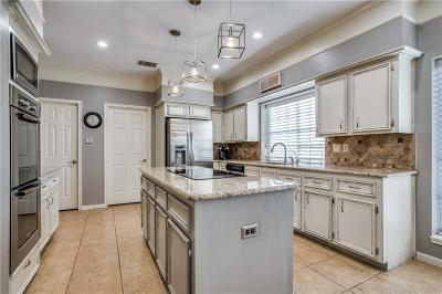 Denton County Single Family Home For Sale: 700 Tartan Trail