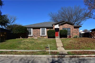 Denton County Single Family Home For Sale: 1729 Belltower Place