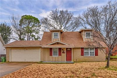 Tarrant County Single Family Home For Sale: 1105 Paula Drive