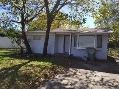 Garland Single Family Home For Sale: 505 E Miller Road