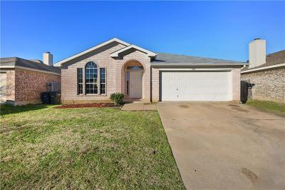 Fort Worth Single Family Home For Sale: 7204 Avington Way