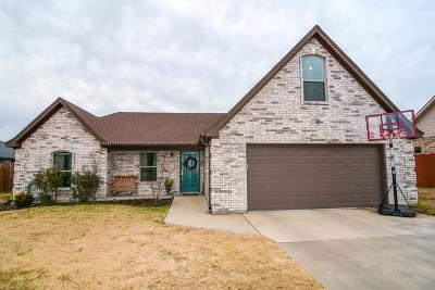 Stephenville Single Family Home Active Contingent: 1131 Greens Creek Circle