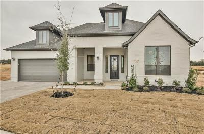 Granbury Single Family Home Active Kick Out: 1132 Aviara Court