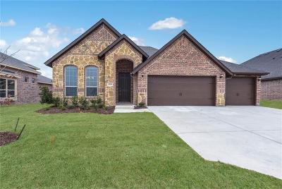 Krum Single Family Home For Sale: 3723 Rusty Spur