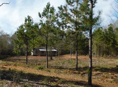 Elkhart TX Single Family Home For Sale: $127,000