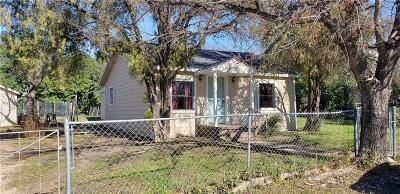 Comanche TX Single Family Home For Sale: $69,000