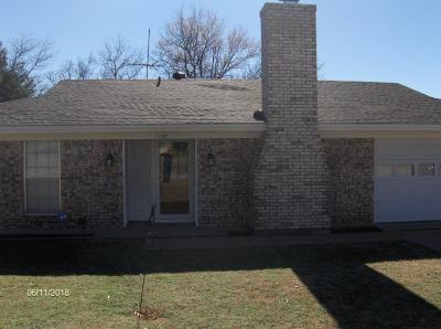 Weatherford Single Family Home Active Option Contract: 1107 Vivienne Street