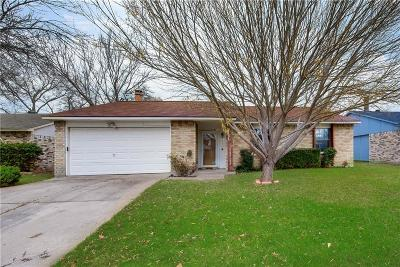 Grand Prairie Single Family Home For Sale: 1014 Coffeyville Trail