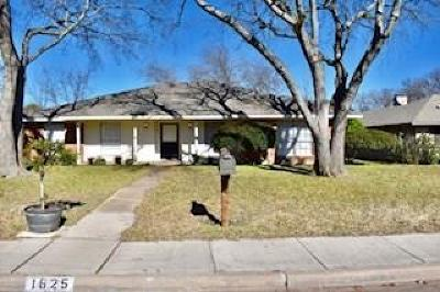 Richardson Single Family Home For Sale: 1625 Marquette Drive