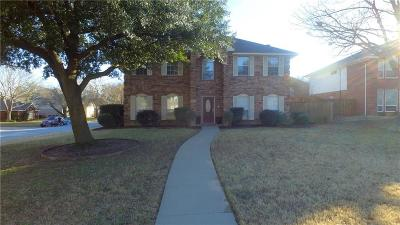Grapevine Single Family Home For Sale: 3313 Briar Cove