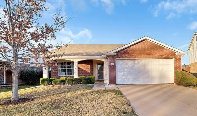 Cross Roads Single Family Home For Sale: 9117 Chisholm Trail