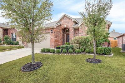 Fort Worth Single Family Home Active Contingent: 12425 Durango Root Drive