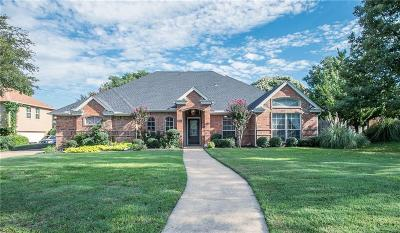 Keller Single Family Home For Sale: 805 Quail Run