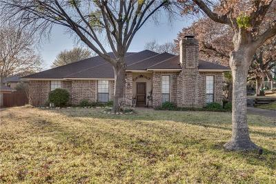 North Richland Hills Single Family Home For Sale: 6517 Parkway Avenue