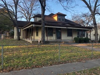 Ennis Single Family Home For Sale: 408 W Decatur Street
