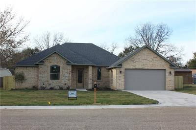 Cleburne Single Family Home For Sale: 1302 Bradley Court