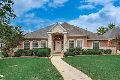 Tarrant County Single Family Home For Sale: 1419 Danbury Drive