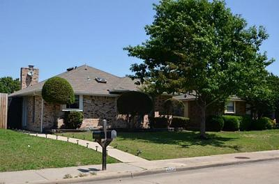 Dallas Single Family Home For Sale: 2523 Sundance Lane