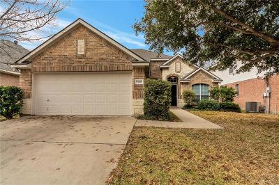 Fort Worth Single Family Home For Sale: 4905 Marineway Drive