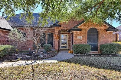 Burleson Single Family Home For Sale: 1024 Springhill Drive