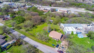 Denton County Single Family Home For Sale: 829 N Oak Street