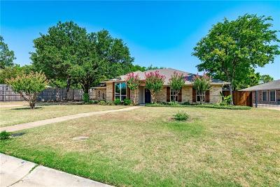 Highland Village Single Family Home For Sale: 400 Doubletree Drive