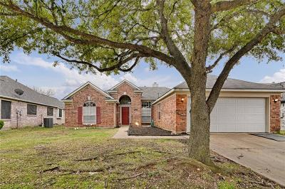 Arlington Single Family Home For Sale: 702 Claridge Drive