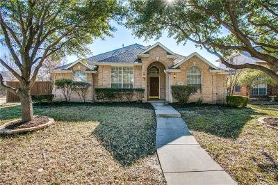 Denton County Single Family Home For Sale: 1693 Castle Pines Drive