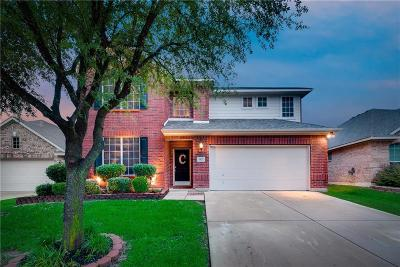 Fort Worth Single Family Home For Sale: 11621 Aspen Creek Drive