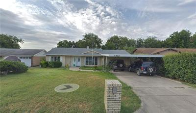 Haltom City Single Family Home For Sale: 4428 Mink Drive