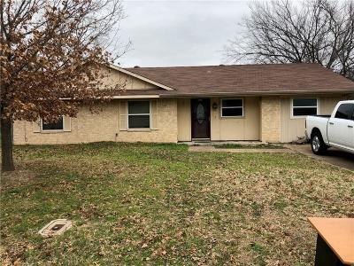 Azle Single Family Home For Sale: 825 James Street