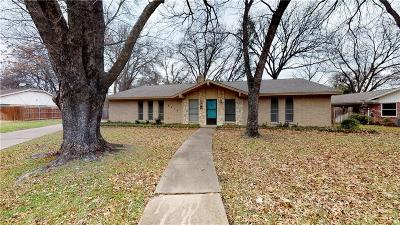 Benbrook Single Family Home For Sale: 8412 Marys Creek