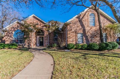 Keller Single Family Home For Sale: 1211 Estrellas Drive