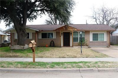 Arlington Single Family Home For Sale: 1803 E Tucker Boulevard
