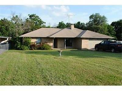 Parker County, Tarrant County, Hood County, Wise County Single Family Home For Sale: 1407 E Seneca Court