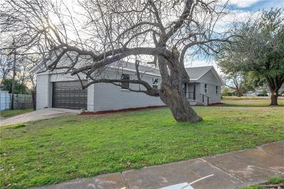 Farmers Branch Single Family Home For Sale: 13936 Charcoal Lane