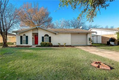 Garland Single Family Home For Sale: 409 Bluebonnet Trail