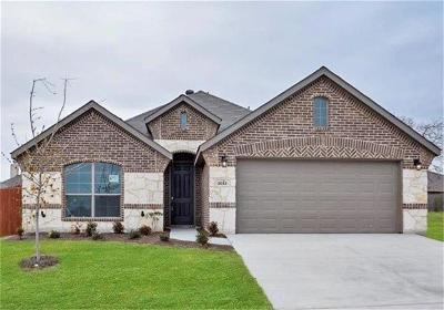Weatherford Single Family Home For Sale: 1012 Deer Valley Drive