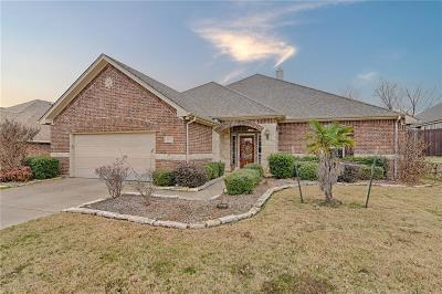 Burleson Single Family Home For Sale: 717 Stribling Drive