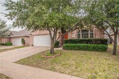 North Richland Hills Single Family Home For Sale: 3933 Glenwyck Drive