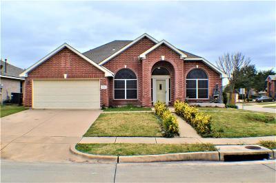 Grand Prairie Single Family Home For Sale: 3343 Bryce