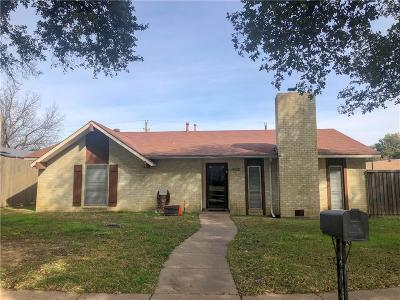 Grand Prairie Single Family Home For Sale: 3334 Country Club Drive