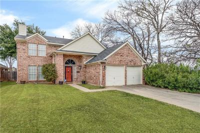 Euless Single Family Home For Sale: 2500 Chesapeake Court