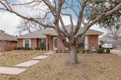 Arlington Single Family Home For Sale: 5208 Stagetrail Drive