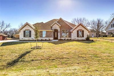 Granbury Single Family Home For Sale: 6115 Cherokee Drive